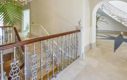 Villa in La Mola - Corridor-stairway and entrance hall