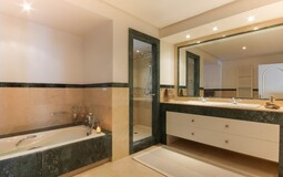 Villa in La Mola - En-suite bath3-1