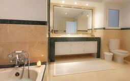 Villa in La Mola - En-suite bath3-2