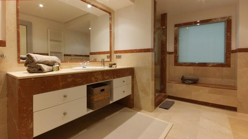 Villa in La Mola - En-suite bathroom2-1
