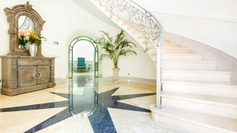 Villa in La Mola - Entrance Hall