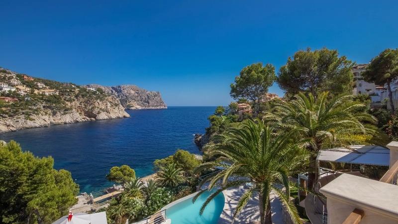 Villa in La Mola - Property view over the pool -garden and sea