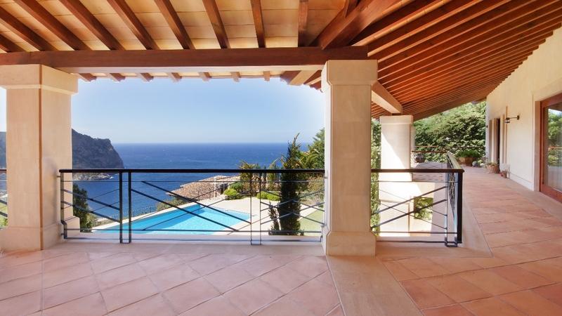 Villa in Cala Llamp - Covered terrace