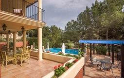 Villa in Costa de la Calma - Pool terrace and covered terrace