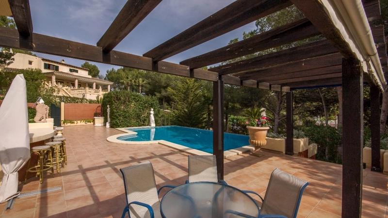 Villa in Costa de la Calma - Pool terrace dining