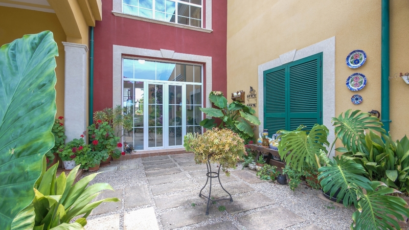 Villa in Cala Vinyes - Courtyard