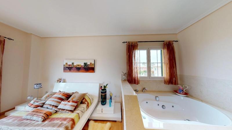 Villa in Cala Vinyes - Master bed & Jacuzzi Bath