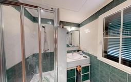 Villa in Cala Vinyes - Guest Shower room