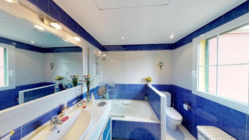 Villa in Cala Vinyes - Guest Bathroom 1