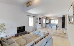 Villa in El Toro - Port Adriano - Living and dining area