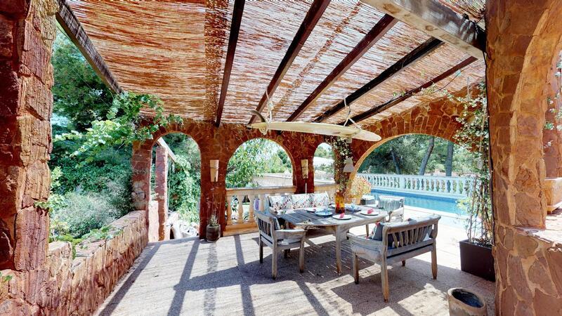 Villa in El Toro - Port Adriano - Poolside dining
