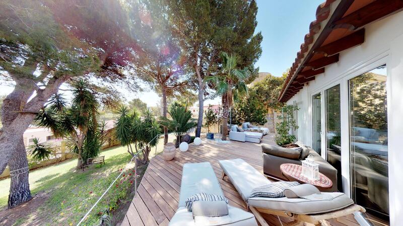 Villa in El Toro - Port Adriano - Living room deck