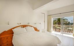 Villa in Costa de la Calma - GUEST MASTER BED