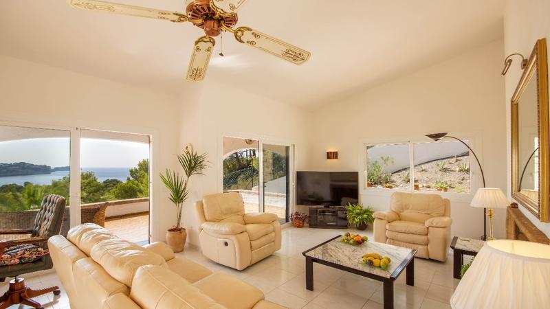 Villa in Costa de la Calma - LIVNG