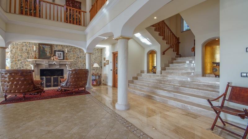 Villa in Costa D´en Blanes - Main Hall