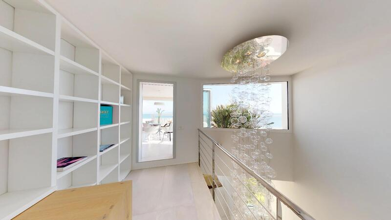 Penthouse in Illetes - Hallway and office with sea view