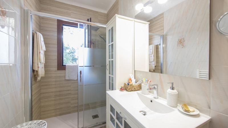 Villa in El Toro - Port Adriano - Bathroom