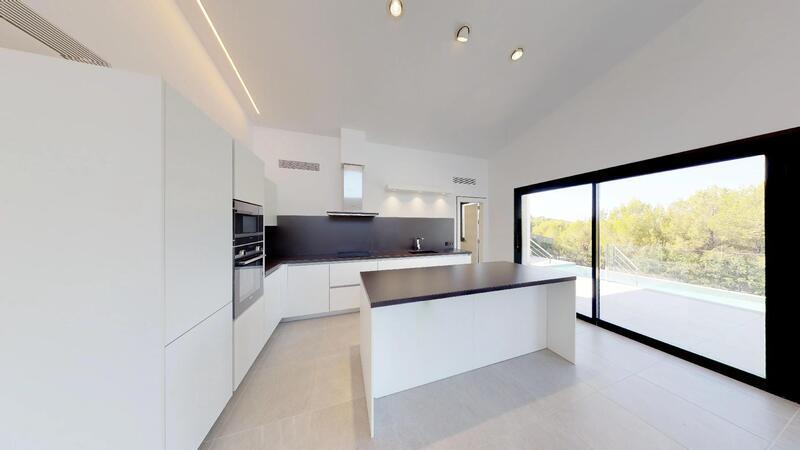 Villa in Cala Vinyes - Modern Kitchen with island
