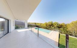 Villa in Cala Vinyes - Living terrace with pool & mountain views