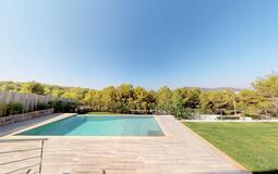 Villa in Cala Vinyes - Level Pool and garden