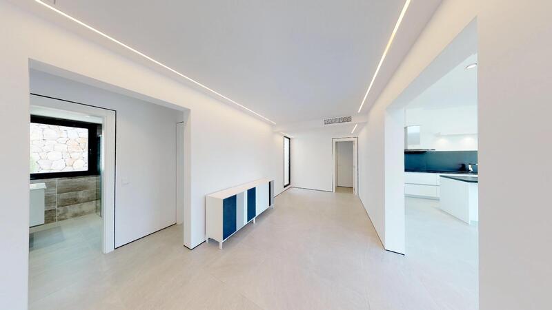 Villa in Cala Vinyes - Spacious hallway