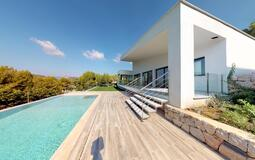 Villa in Cala Vinyes - Modern house with swimming pool