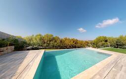 Villa in Cala Vinyes - Pool terrace with garden