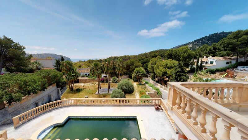 Villa in Camp de Mar - Views of garden and pool