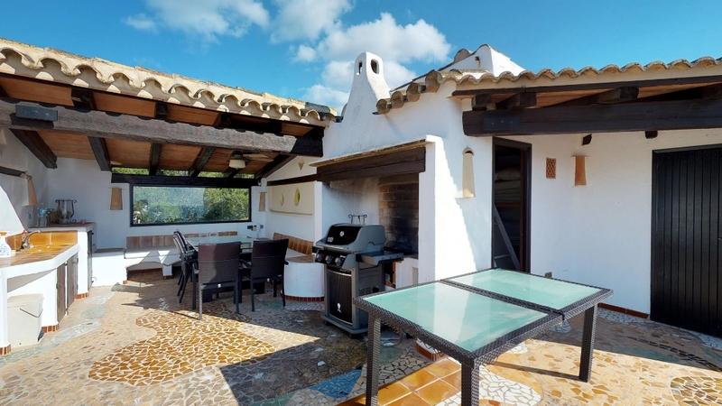 Penthouse in Costa de la Calma - Covered Dining & Barbecue Terrace