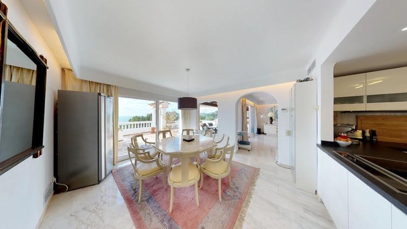 Penthouse in Costa de la Calma - Dining area & open plan kitchen