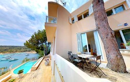 Villa in Mallorca - Front line villa for sale in southwest mallorca