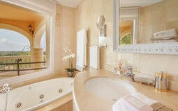 Villa in Bendinat - Jacuzzi bath1