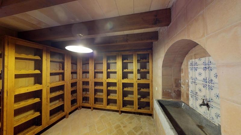 Hotel **** in Mallorca - Wine Cellar