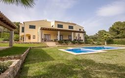 Villa in Nova Santa Ponsa - Pool terrace and Building view2