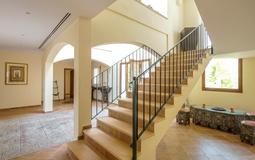 Villa in Nova Santa Ponsa - Stairway from entrance hal