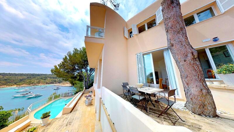 Villa in Mallorca - Front line villa for sale in southwest mallorca