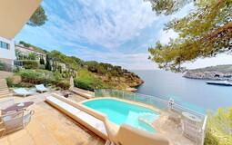 Villa in Mallorca - Pool terrace front line sea