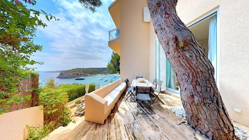 Villa in Mallorca - Dining Terrace with Sea Views