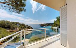 Villa in Mallorca - Bedroom & Bathroom Terrace and views