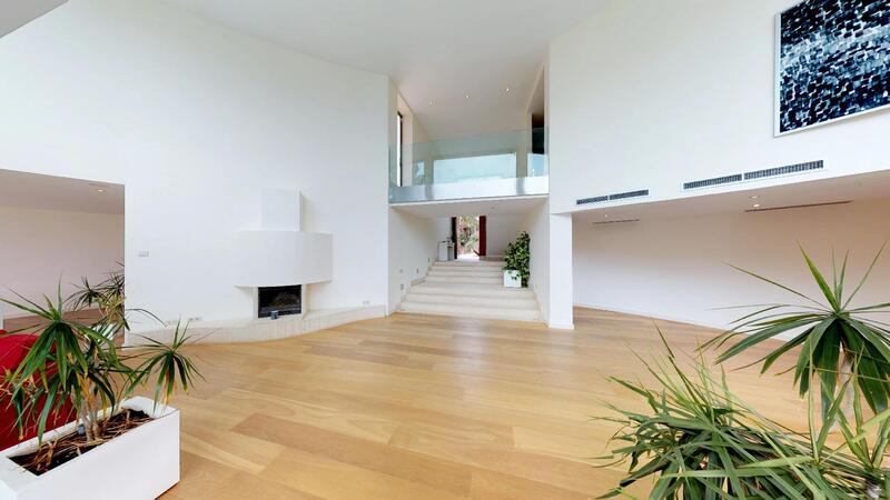 Villa in Sol de Mallorca - Gallery hallway