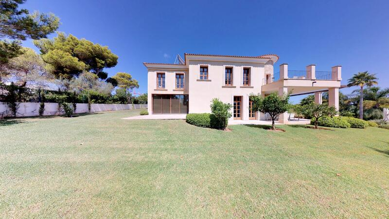 Villa in Cala Vinyes - Stately and grand exterior