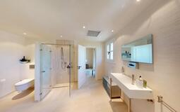 Villa in Cala Vinyes - Guest Bathroom 4