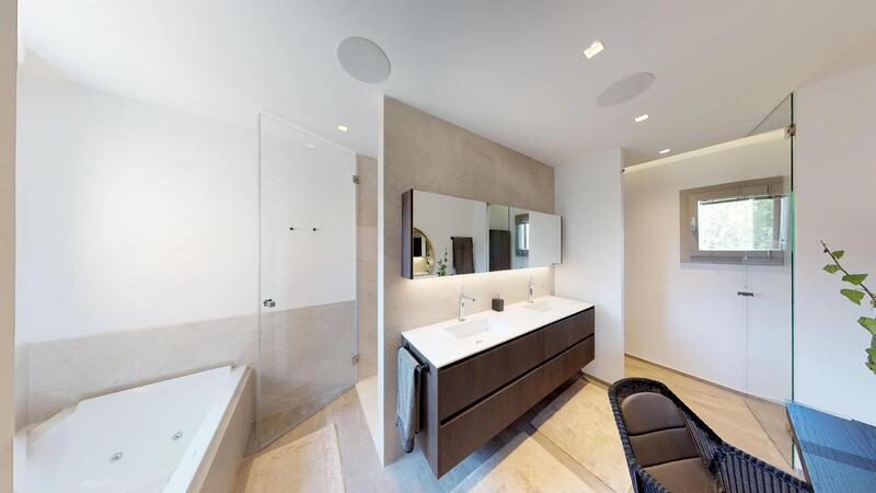 Penthouse in Nova Santa Ponsa - Master Bathroom suite