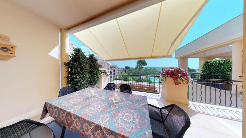 Penthouse in Nova Santa Ponsa - Exterior dining with pool views