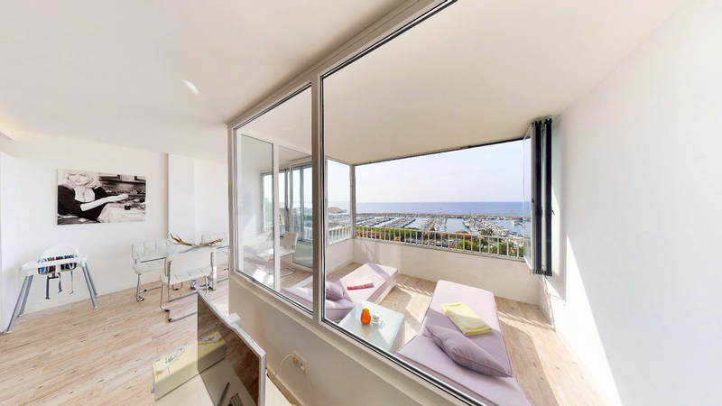 Apartment in Portals Nous - Living area with sea views