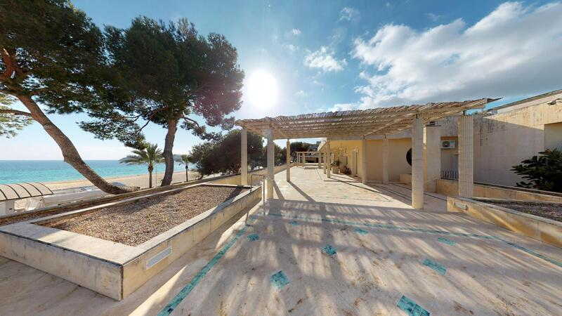 Villa in Palmanova - Frist line to the beach - mansion