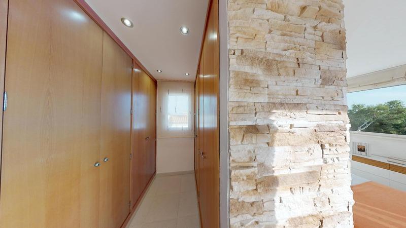 Villa in El Toro - Port Adriano - Walk in wardrobe