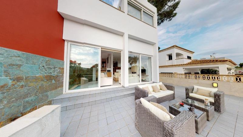 Villa in El Toro - Port Adriano - Front terrace overlooking the pool