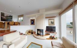 Villa in El Toro - Port Adriano - Fireplace in living room