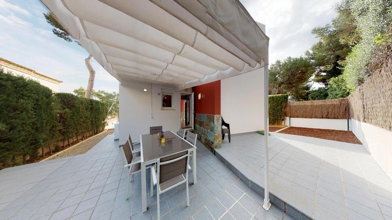 Villa in El Toro - Port Adriano - Wrap around garden